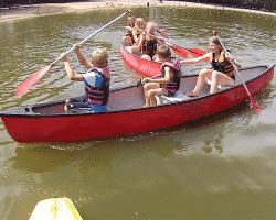 Kanu fahren im Adventure Camp