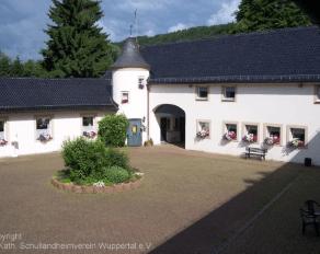Innenhof Schullandheim Dalbenden