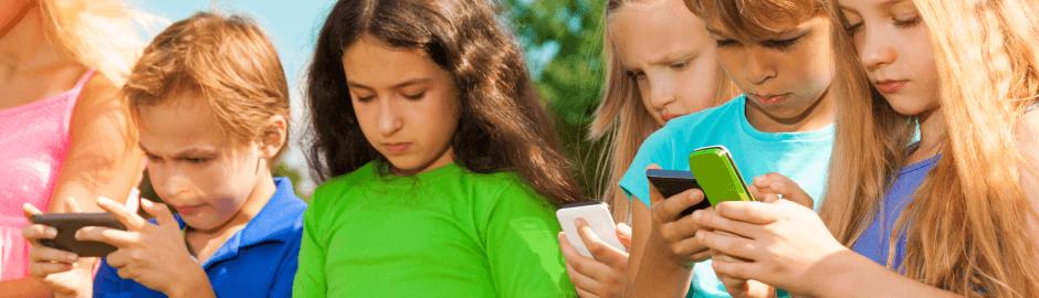 Medienkonsum bei Kindern Handy