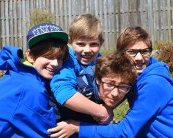 Kinder haben Spaß im Sportcamp