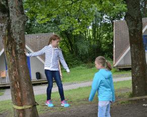 Slacklining im Move-It Camp