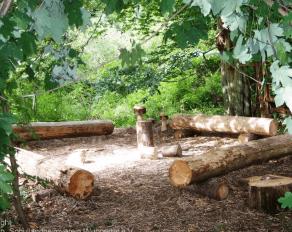 Sitzecke aus Holz