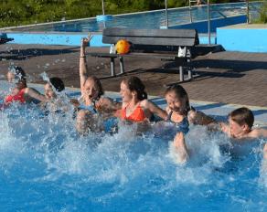 Sommer Brohltal Schwimmen