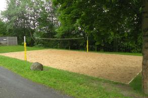 Beachvolleyballplatz direkt auf dem Gelände der Unterkunft Brohltal
