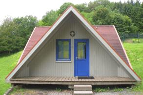Nurdachhaus im Brohltal
