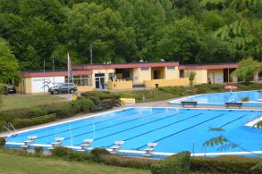 Schwimmbad direkt neben der Unterkunft Brohltal